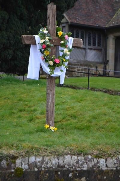 Holy Week Cross 004